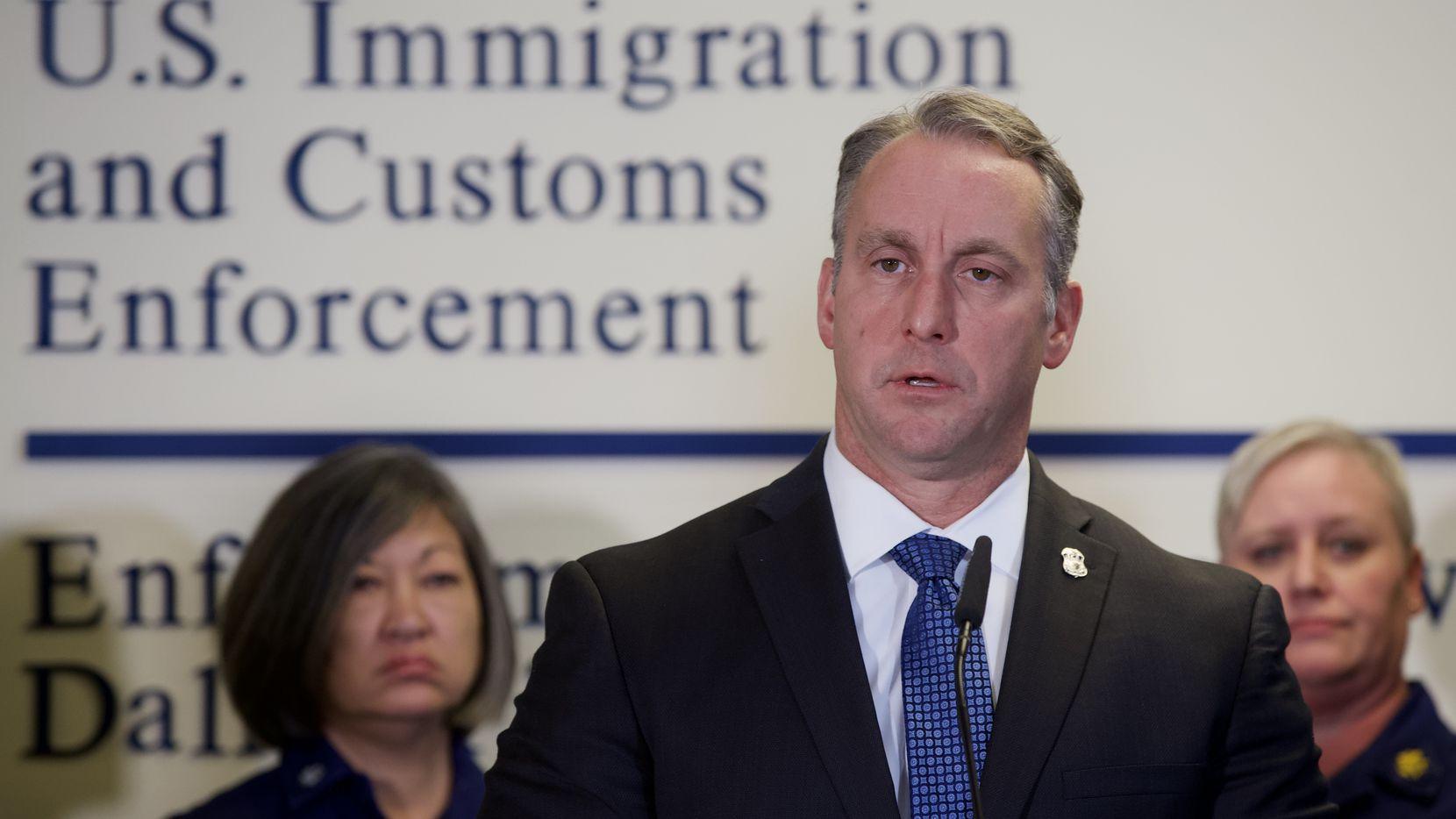 El director encargado de ICE, Matthew Albence dijo que las detenciones de indocumentados han disminuido a nivel nacional, entre otros motivos, debido a varias ciudades que se rehúsan a cooperar con ICE.