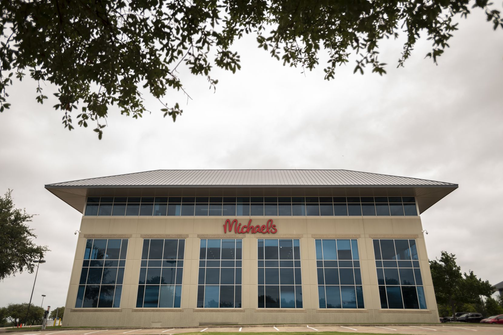 Michaels is moving its headquarters from its longtime Bent Branch Drive location into a 123,740-square-foot, three-story building near DFW International Airport. The Royal Ridge III building on Carpenter Freeway is near Esters Boulevard.