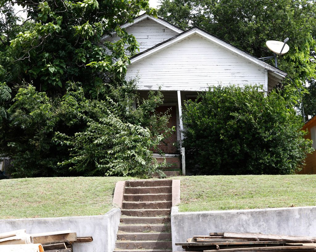 This is the house at 1121 E. Ninth St. that will be demolished, because the Landmark Commission could do nothing to stop the court order.