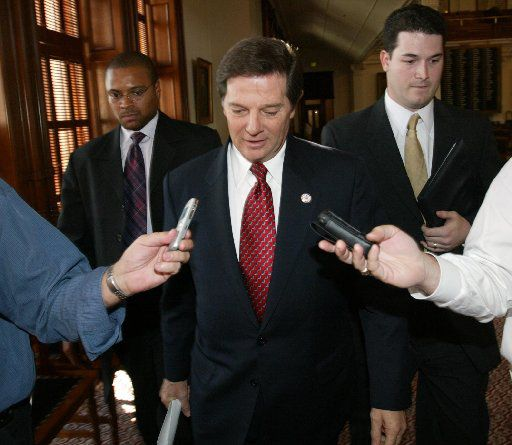 U.S. House Majority Leader Tom Delay, R-Sugar Land, left the office of Texas House Speaker Tom Craddick, heading to Lt.  Gov. David Dewhurst's office, in October 2003 as he tried to end a redistricting standoff.