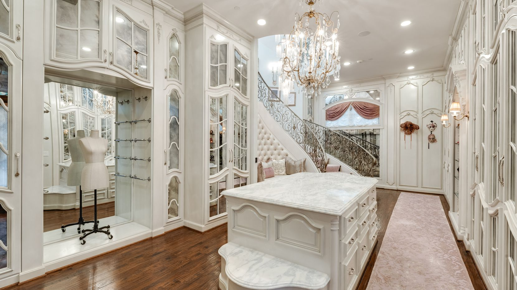 A look at the closet at 4555 Harrys Lane in Dallas.
