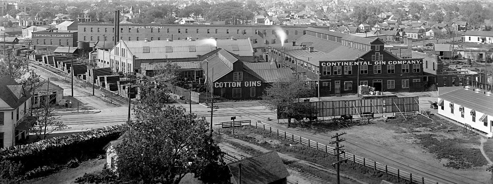 The Continental Gin Co. on Dallas' Elm Street in about 1908.