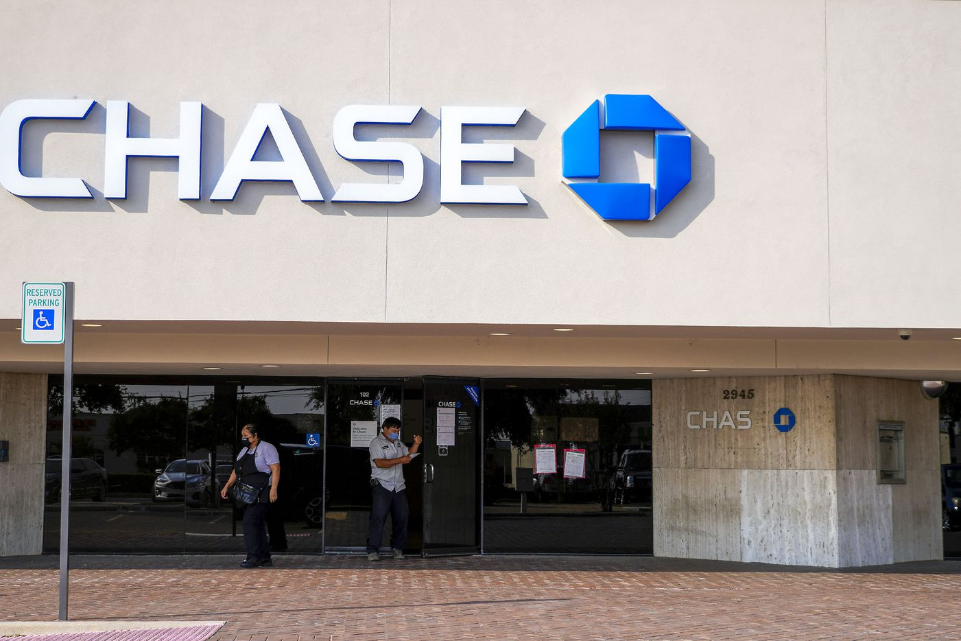 Chase Bank at 2945 Walnut Hill Lane on Friday, Oct. 2, 2020, in Dallas. (Smiley N. Pool/The Dallas Morning News)