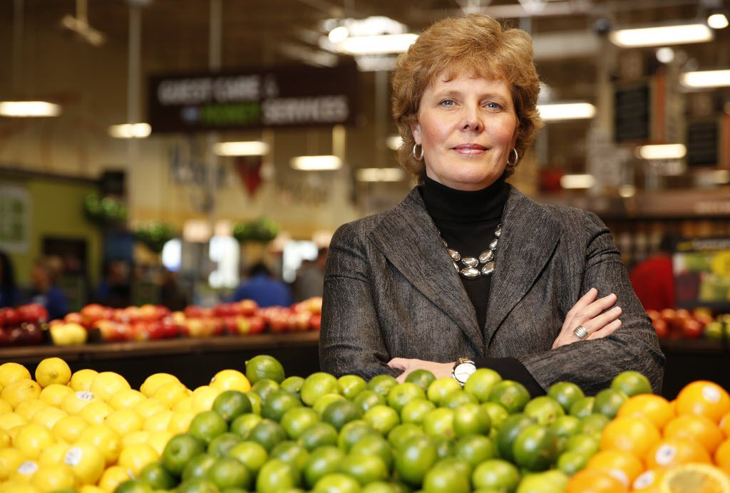Dana Zurcher, Kroger Dallas division president, visited the new store in Prosper last week and said that by the end of the year, about 20 North Texas Krogers will be equipped to handle ClickList orders from 40,000 items in a store. (Rose Baca/Staff Photographer)