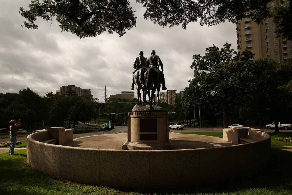 A view of the statue of Confederate general Robert E. Lee at Robert E. Lee Park in the Oak Lawn neighborhood of Dallas Wednesday August 16, 2017.