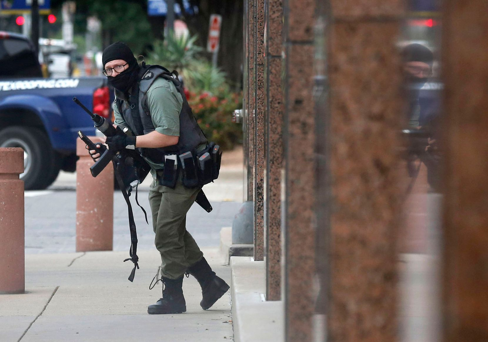 Armed with an AR-15 style rife, Brian Isaack Clyde attacked the Earle Cabell Federal Building on June 17, 2019, in downtown Dallas before law enforcement fatally shot him. No officers or citizens were wounded. (Tom Fox/Staff Photographer)