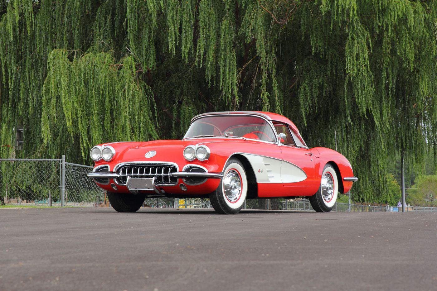 Lot W62 1960 Chevrolet Corvette Convertible (Mecum)