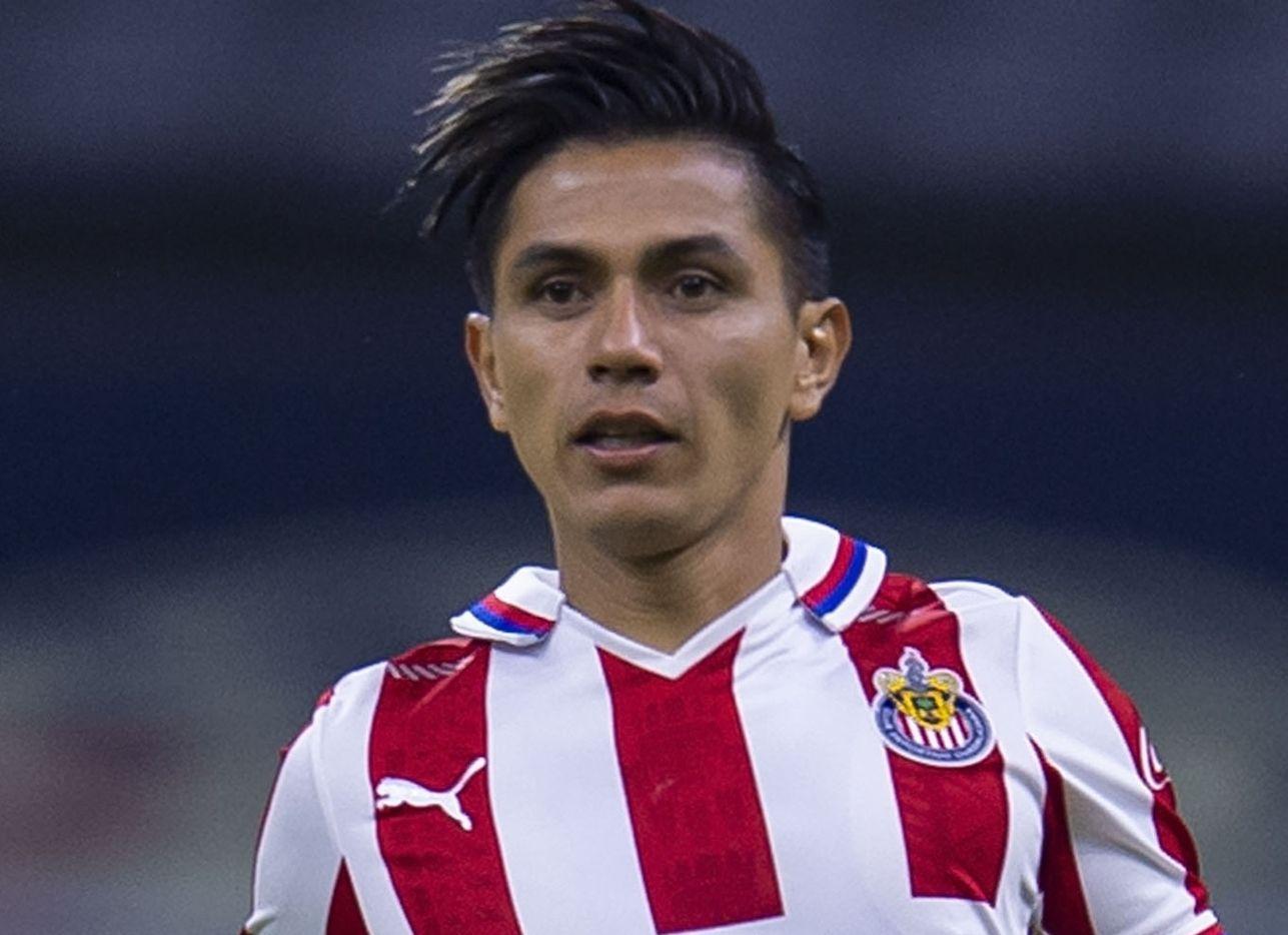 El jugador de Chivas de Guadalajara, Dieter Villalpando es investigado por las autoridades.