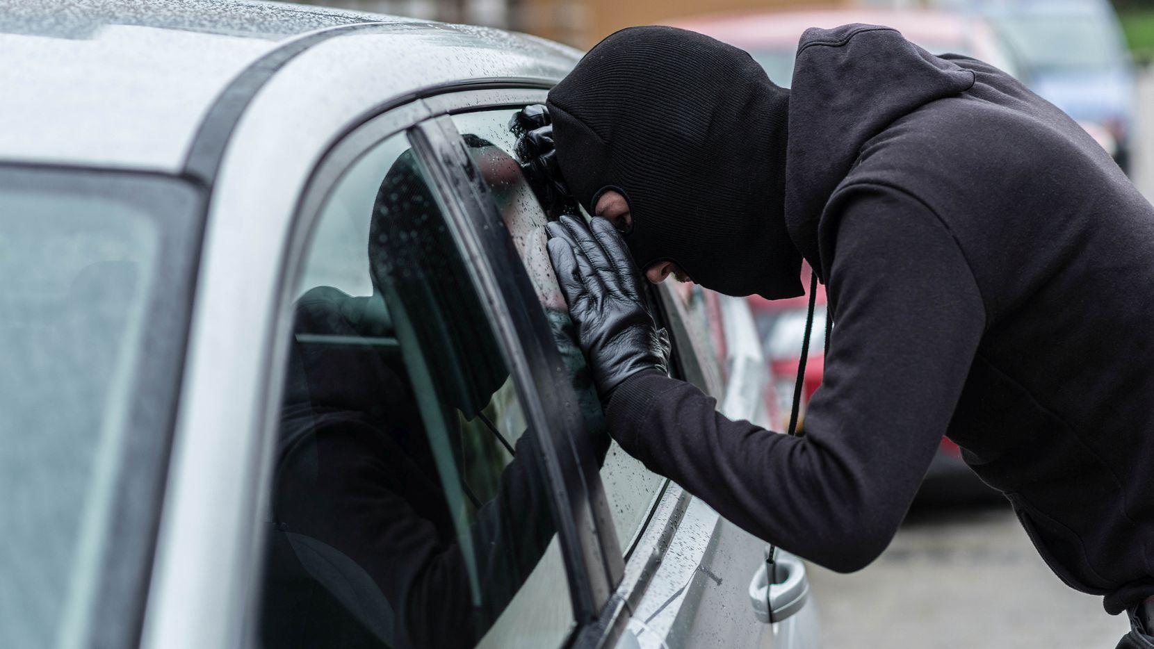 Julio es el mes de la prevención del robo vehicular en Estados Unidos.