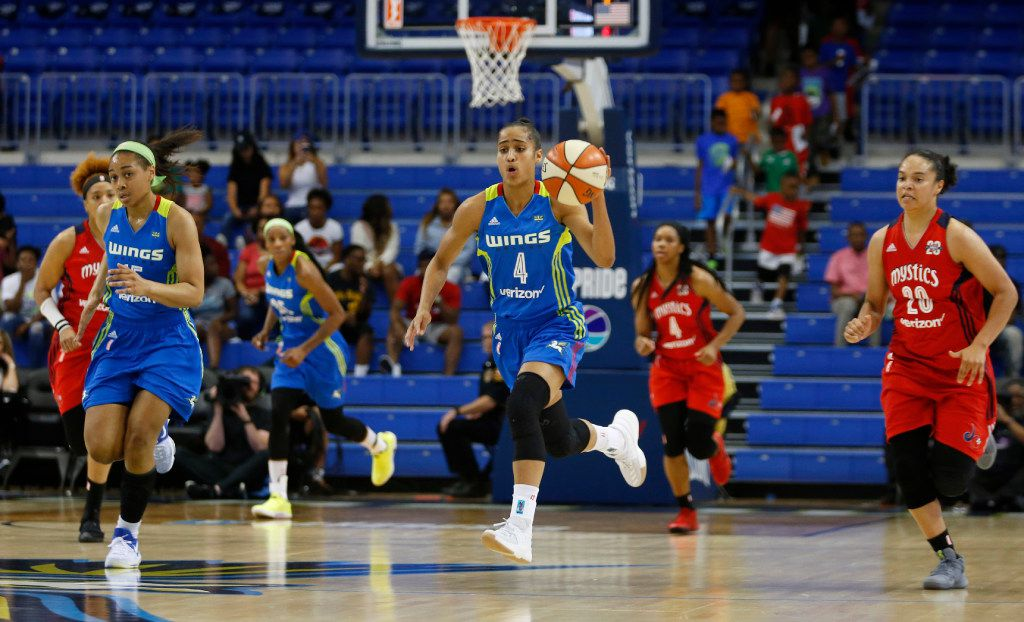Dallas Wings guard Skylar Diggins-Smith (4) leads the offense on a fast break attempt in a game against the Washington Mystics during the first half of play at UTA's College Park Center in Arlington on Tuesday, June 6, 2017. (Vernon Bryant/The Dallas Morning News)