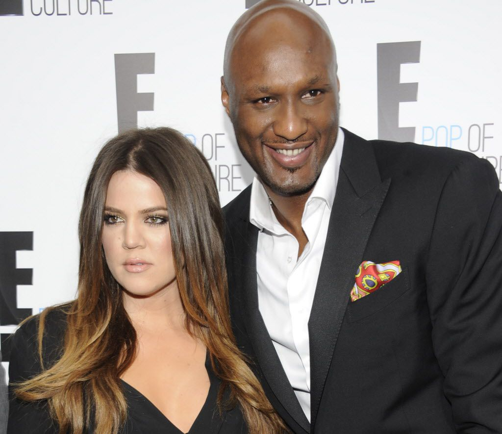Khloe Kardashian y la tía de Lamar Odom agradecieron a los admiradores el apoyo mientras el exastro de la NBA sigue hospitalizado tras ser hallado inconsciente el martes en un burdel de Nevada. /AP