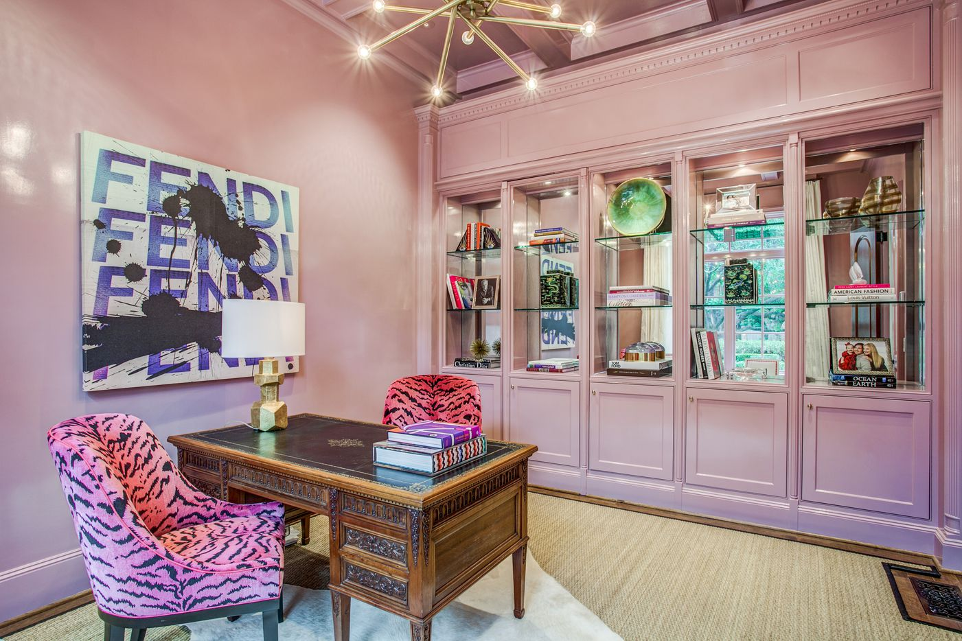 A look at the pink office of the Dallas home Kameron Westcott is selling.