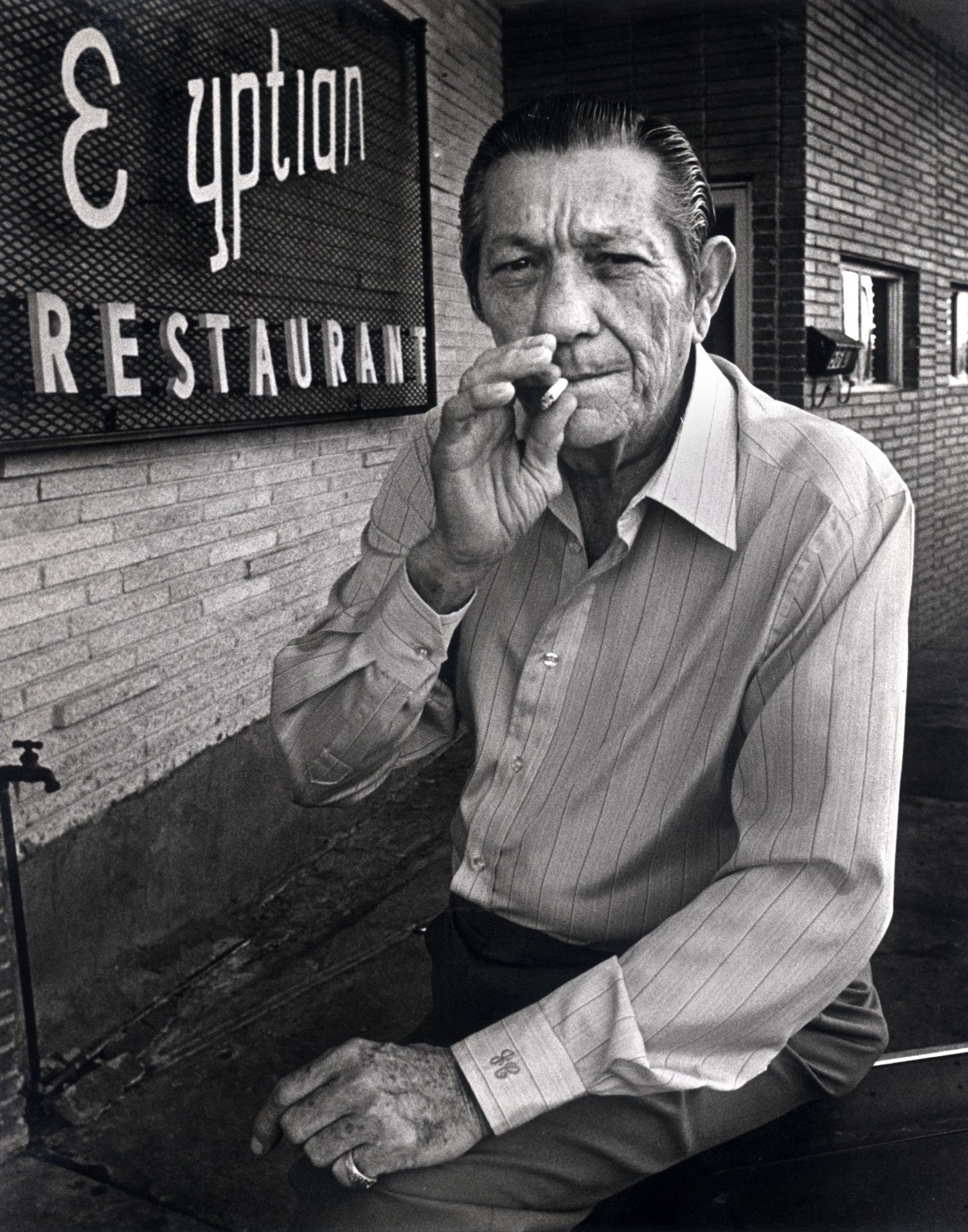 Joe Campisi is shown in front of his restaurant on Mockingbird Lane in November 1982.