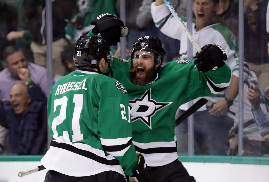 DALLAS, TX - NOVEMBER 15:  Patrick Eaves #18 of the Dallas Stars celebrates  a goal with Antoine Roussel #21 of the Dallas Stars against the New Jersey Devils during the first period at American Airlines Center on November 15, 2016 in Dallas, Texas.  (Photo by Ronald Martinez/Getty Images)