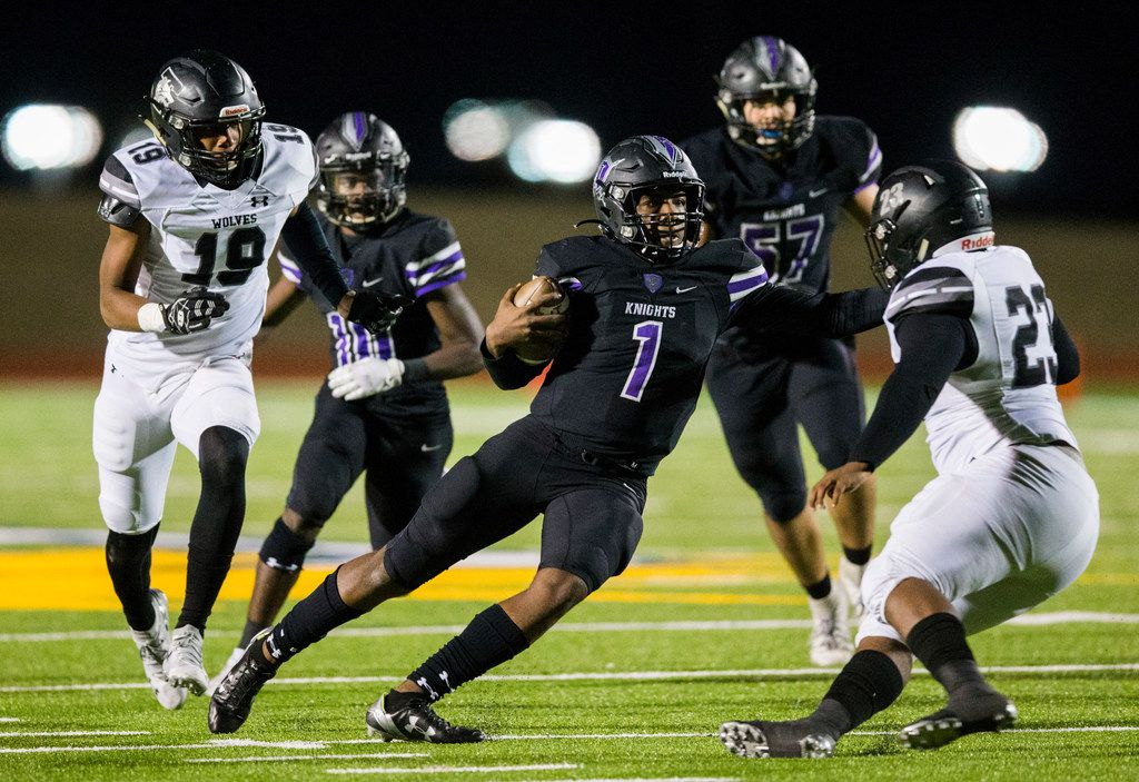 Frisco Independence quarterback Braylon Braxton (1) runs the ball to the end zone for a touchdown during the second quarter of a UIL Class 5A Division I first-round playoff football game between Mansfield Timberview and Frisco Independence on Thursday, November 14, 2019 at Frisco ISD Memorial Stadium in Frisco.