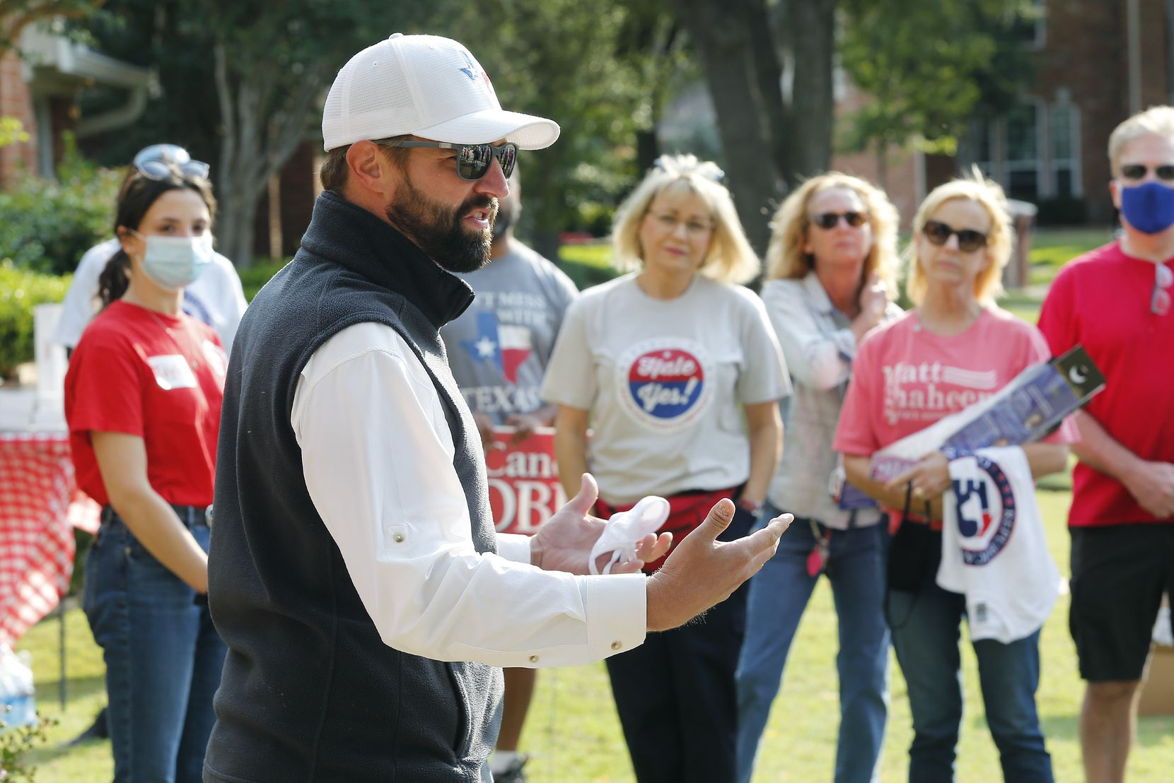 State Rep. Jeff Leach speaks to volunteers before a door-knocking campaign in Plano.