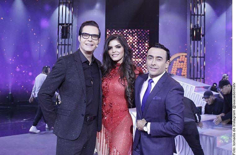 Ana Bárbara fue la invitada de la noche de La Academia, el show conducido por Adal Ramones.