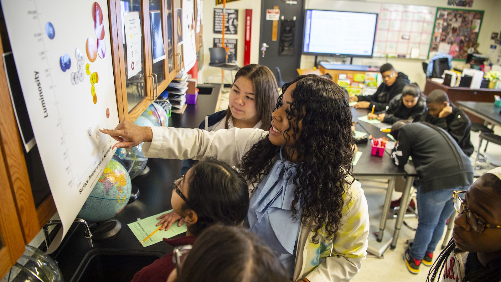 Dallas ISD teacher Elizabeth Blue-Allen teaches science to Pinkston High School students in early 2020. The school district, SMU, Toyota and the West Dallas community are partnering to establish a pre-K through eighth grade model school focused on a STEM curriculum.