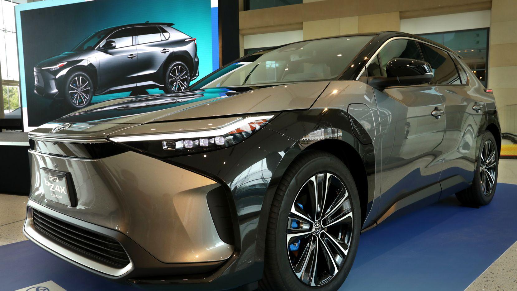 El nuevo Toyota BZ4X fue presentado esta semana en la sede de Toyota en Plano. El BZ4X es la apuesta de Toyota en el mercado de vehículos eléctricos.