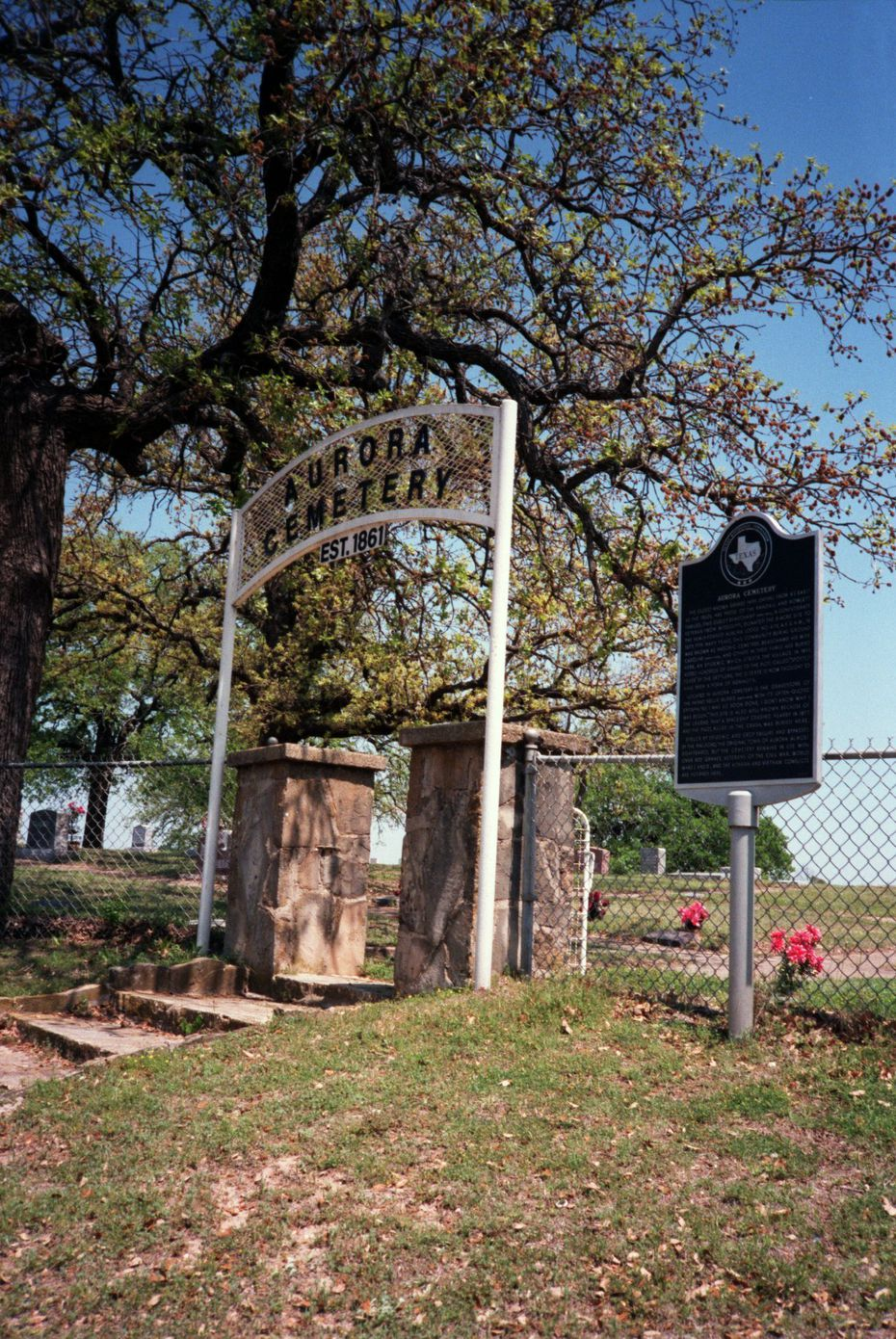 Aurora Cemetery, where the space visitor is said to be buried.