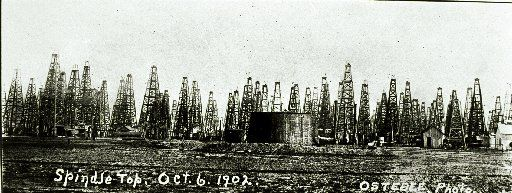 Beaumont Spindletop photographs 1901-1920.