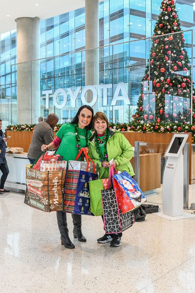 Toyota takes big strides toward giving back by contributing to charitable causes and connecting local nonprofits with volunteers.