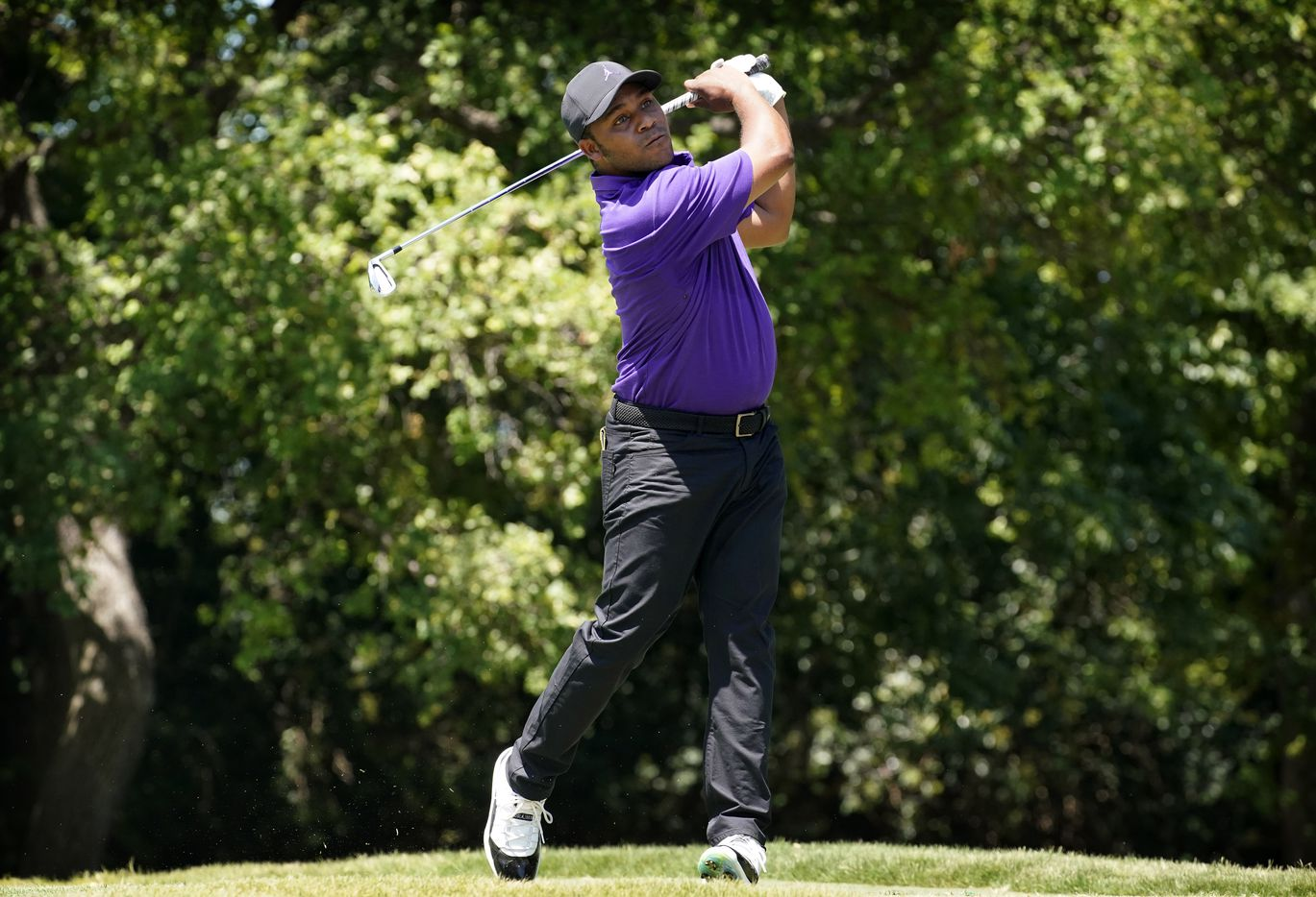 PGA Tour golfer Harold Varner III tees off on the par-4, 9th during the third round of the Charles Schwab Challenge at the Colonial Country Club in Fort Worth, Saturday, June 13, 2020.  The Challenge is the first tour event since the COVID-19 pandemic began. (Tom Fox/The Dallas Morning News)