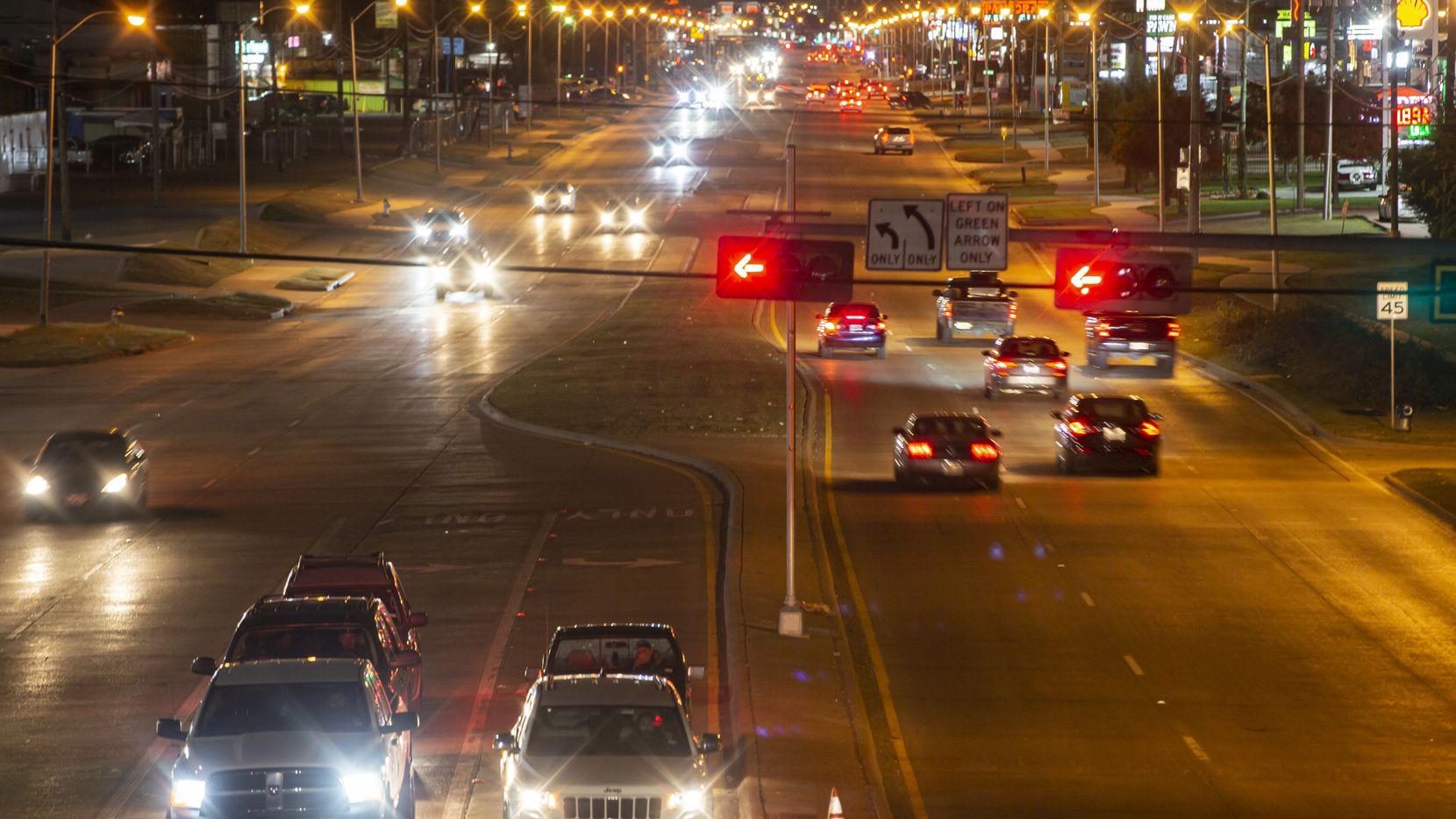 El sur de Harry Hines Boulevard es conocido como el epicentro de la prostitución en Dallas. Una ordenanza busca acabar con eso.