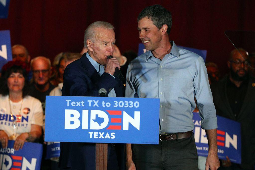 Beto O'Rourke dio su apoyo a Joe Biden en un momento clave para ganar la elección primaria en Texas. Ahora O'Rourke quiere que Biden haga campaña en Texas.