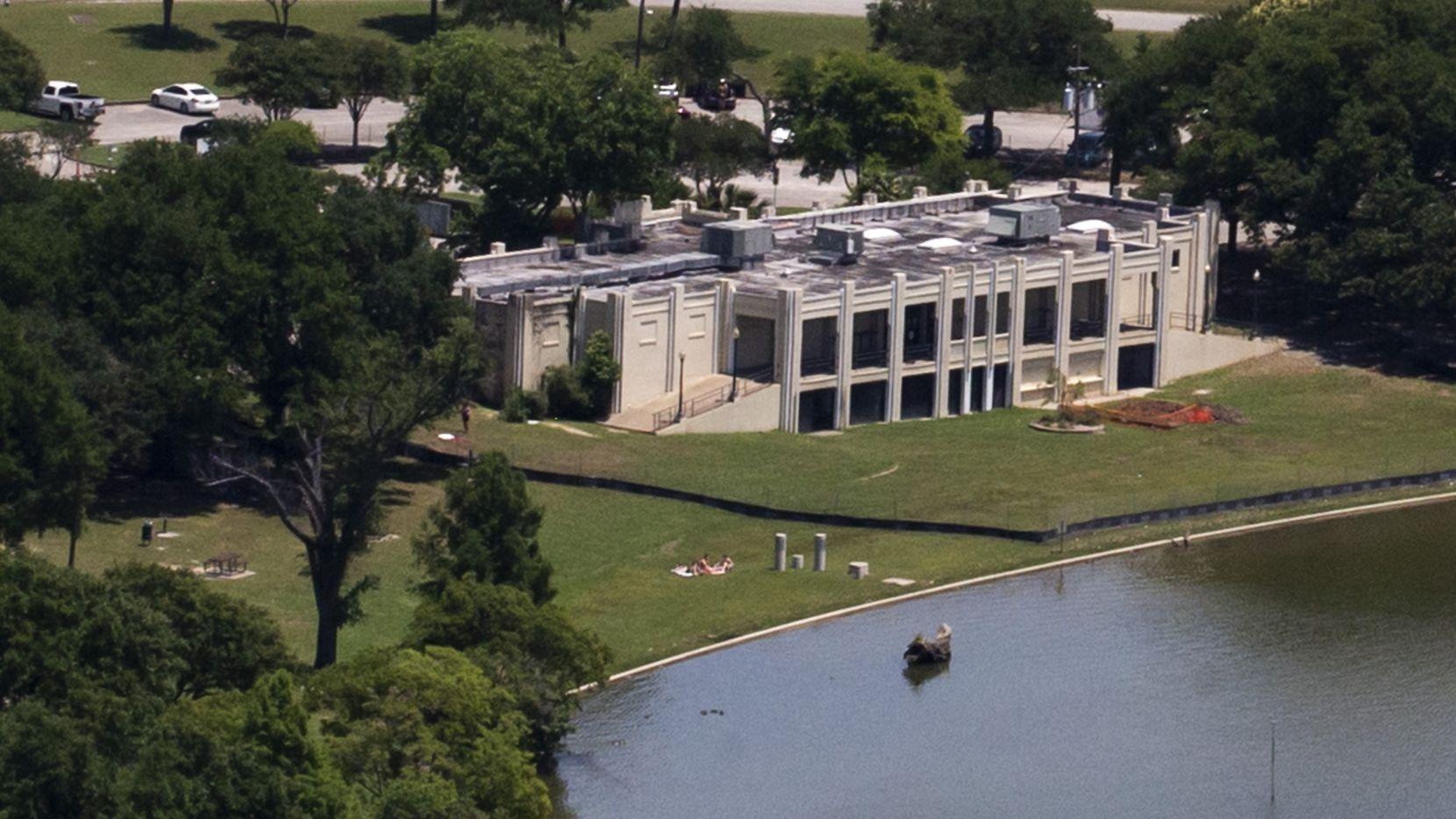 The Bath House Cultural Center at White Rock Lake in Dallas.