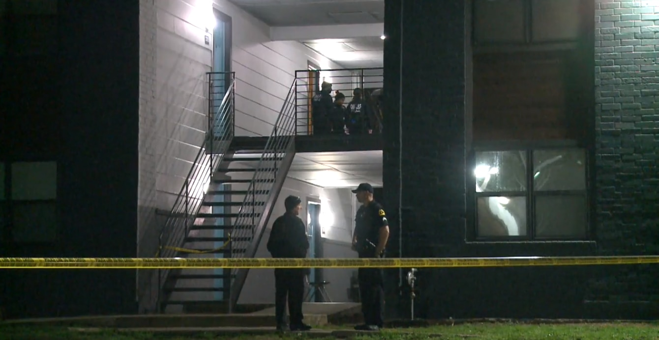 Dallas police at the scene of a fatal shooting at an apartment complex in the 3500 block of East Overton Road on Jan. 27, 2020.