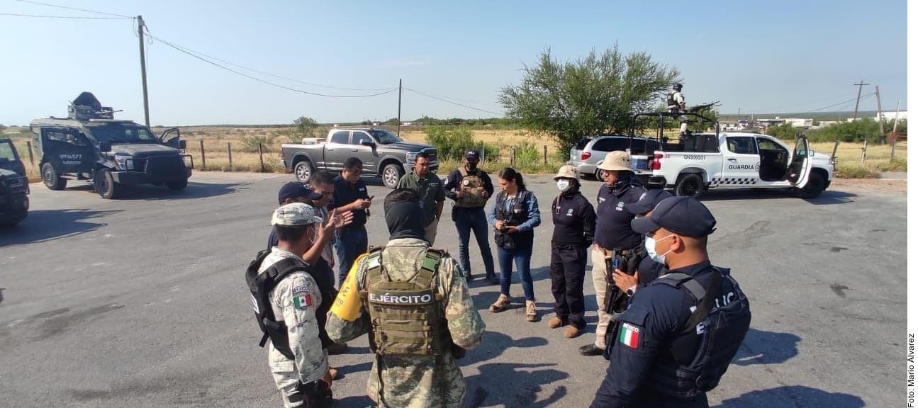 Elementos de la Secretaría de Defensa Nacional (Sedena) localizaron el martes en el municipio Miguel Alemán, Tamaulipas, los cadáveres de nueve personas tendidos sobre la carretera.