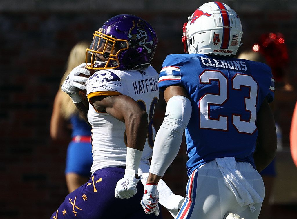 DALLAS, TEXAS - NOVEMBER 09:  Jsi Hatfield #88 of the East Carolina Pirates runs for a touchdown against Rodney Clemons #23 of the Southern Methodist Mustangs in the first half at Gerald J. Ford Stadium on November 09, 2019 in Dallas, Texas. (Photo by Ronald Martinez/Getty Images)