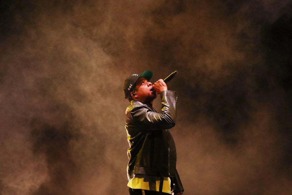 """Imagen de Jay-Z en un concierto en Toronto durante la gira """"4:44"""" de 2019."""