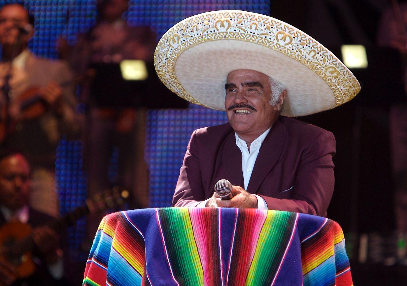 El cantante Vicente Fernández enfrenta nuevas acusaciones de acosos sexual.