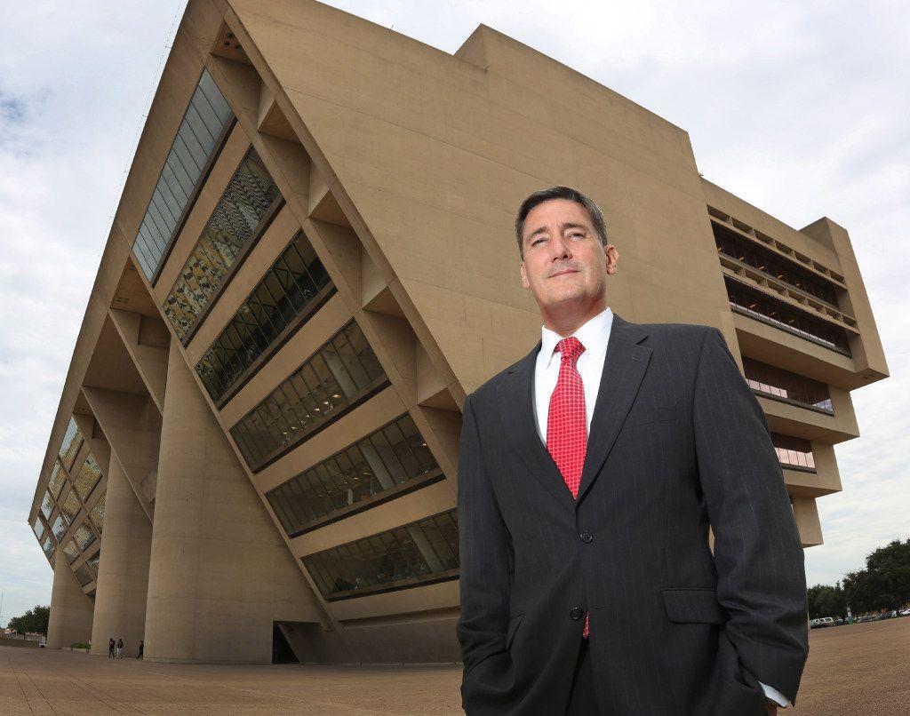 New Dallas City Attorney Larry Casto