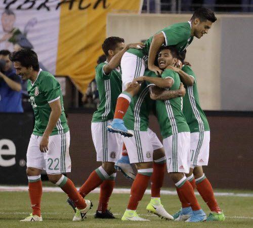 29 jugadores fueron llamados a la selección mexicana para los juegos ante Honduras y Estados Unidos. Foto AP