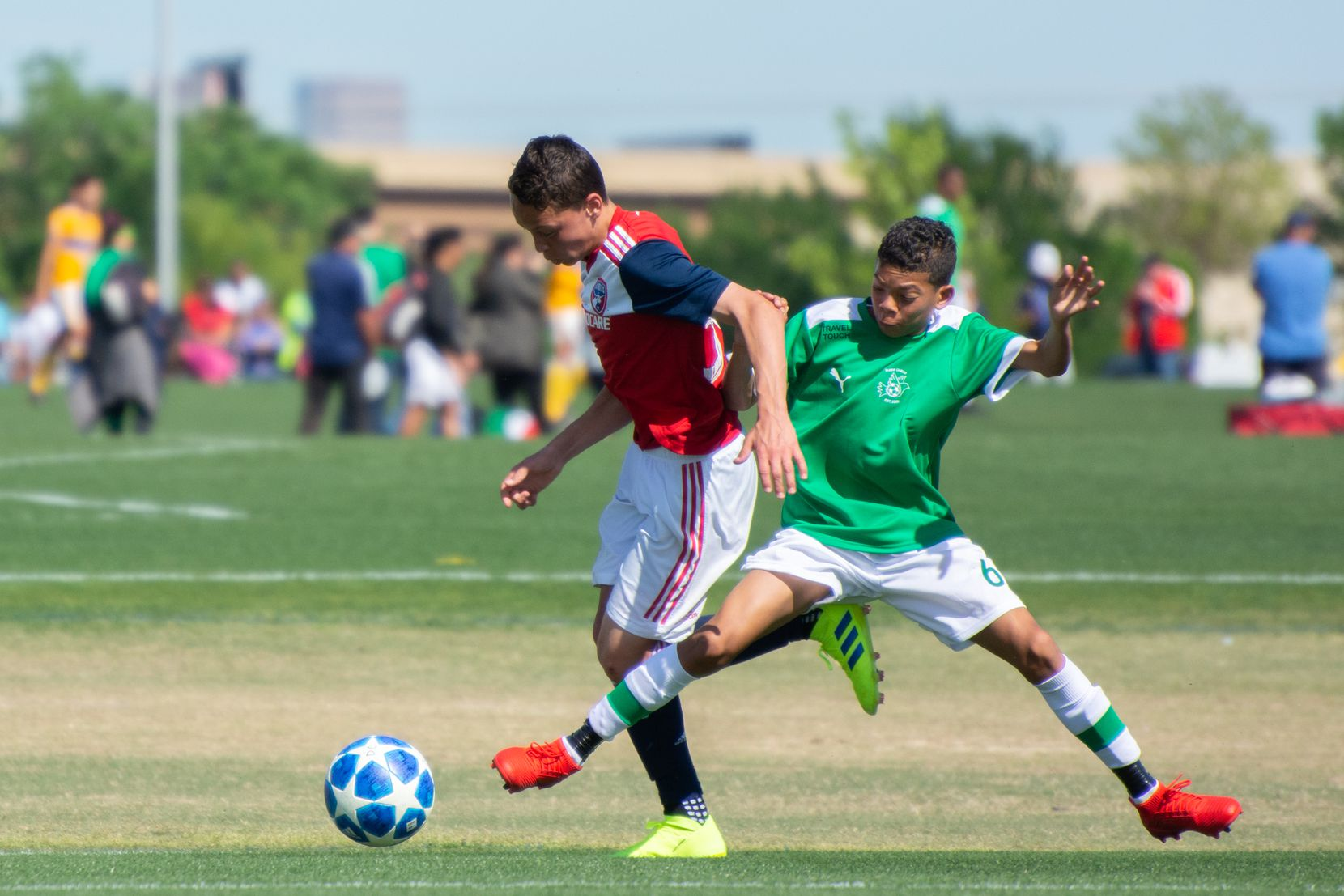 Cistian Gallo of the FCDallas Academy U14s takes on Ikapa United in the 2019 Dallas Cup Super 14s.