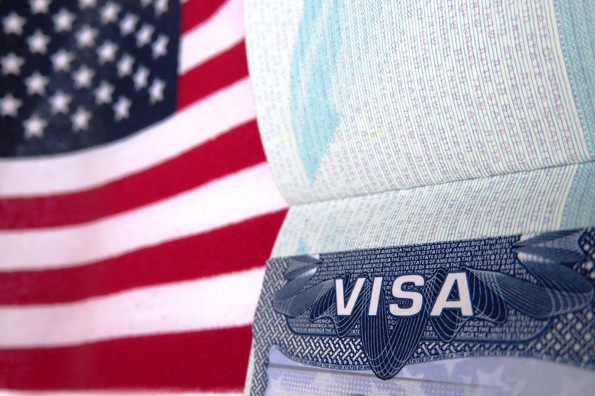 Un pasaporte con visado de Estados Unidos.