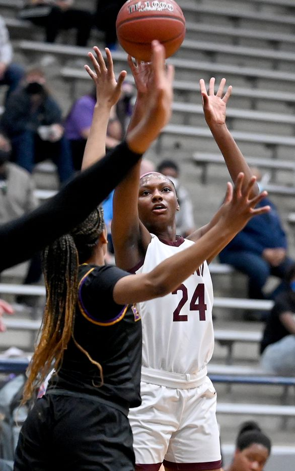 Plano's Amaya Brannon (24) shoots in traffic in the first half of a Class 6A girls high school playoff basketball game between Plano vs. Richardson, Monday, Feb. 22, 2020, in Carrollton, Texas. (Matt Strasen/Special Contributor)