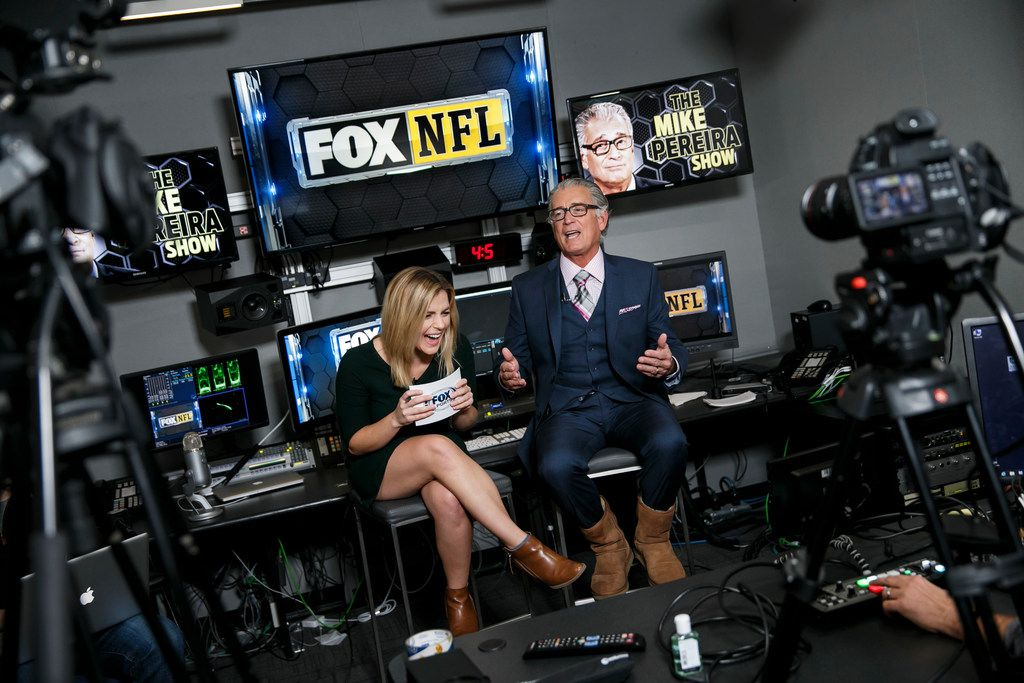 Mike Pereira does his Facebook live show at Fox studios in Los Angeles on November 20, 2016. (Marcus Yam/Los Angeles Times/TNS)