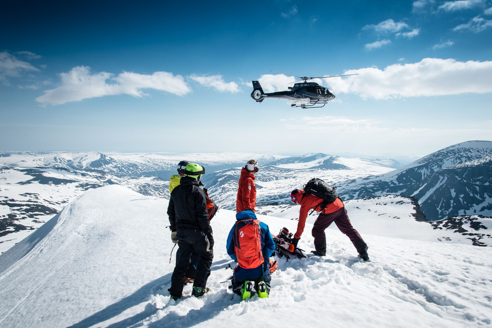 With more than 1 million acres of terrain at Niekhu's doorstep, skiers can collect more than 26,240 vertical feet in a day, spread across a whopping 60 peaks. There is one permanent resort there, with six lifts.