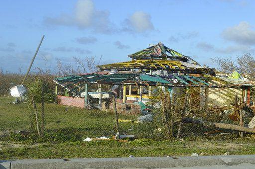 En esta imagen del jueves 7 de septiembre de 2017, un edificio dañado por el huracán Irma en Barbuda. (AP Foto/Anika E. Kentish)