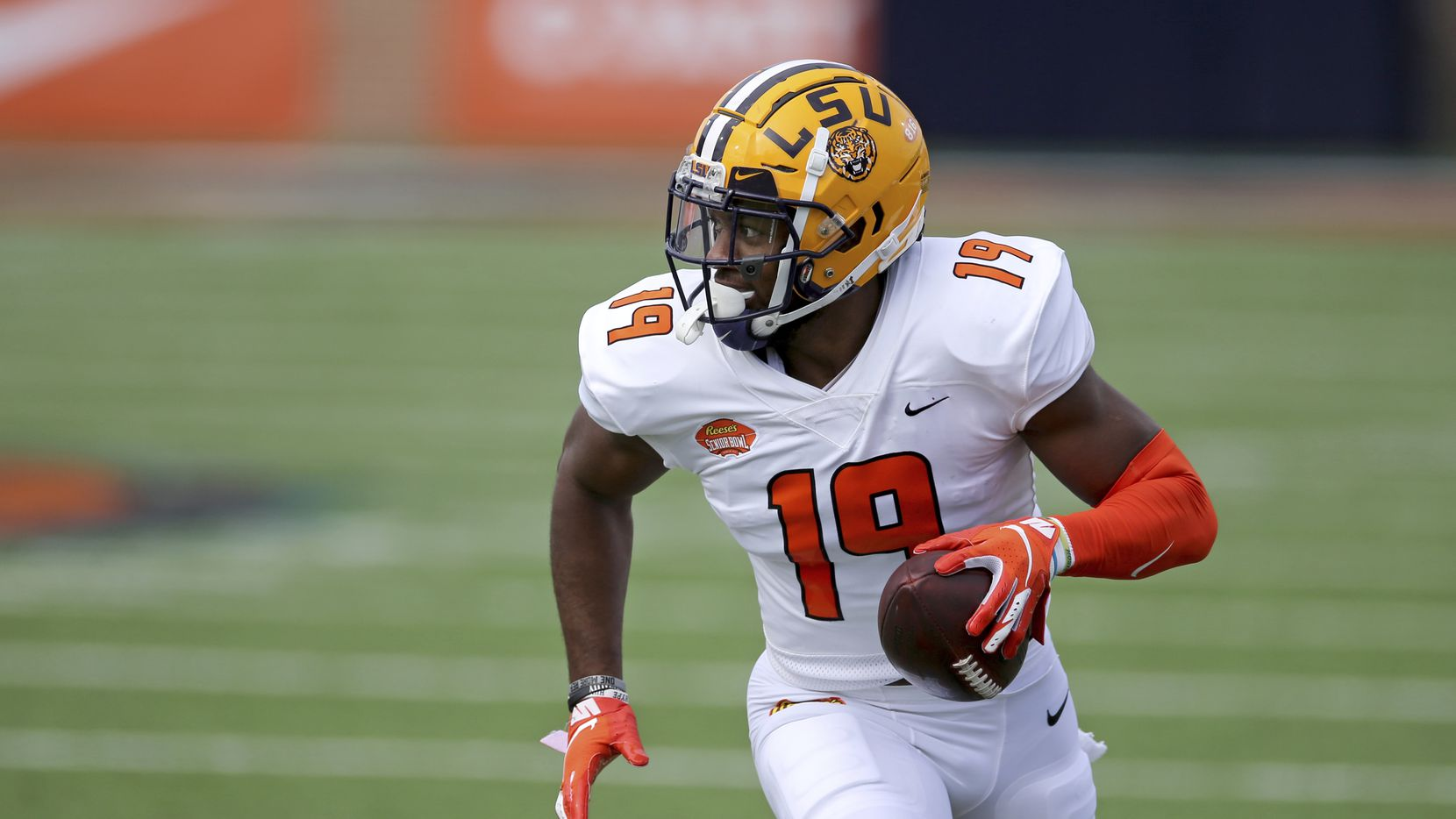 American Team linebacker Jabril Cox of LSU (19) is pictured during the first half of the Senior Bowl game in Mobile, Ala., on Saturday, Jan. 30, 2021.