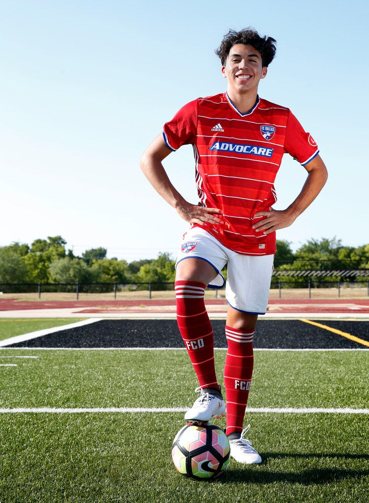 Johan Gomez, 17, an FC Dallas Academy player, poses for a photograph at Fort Worth Christian School in North Richland Hills, Texas on Wednesday, Aug. 1, 2018. (Rose Baca/The Dallas Morning News)