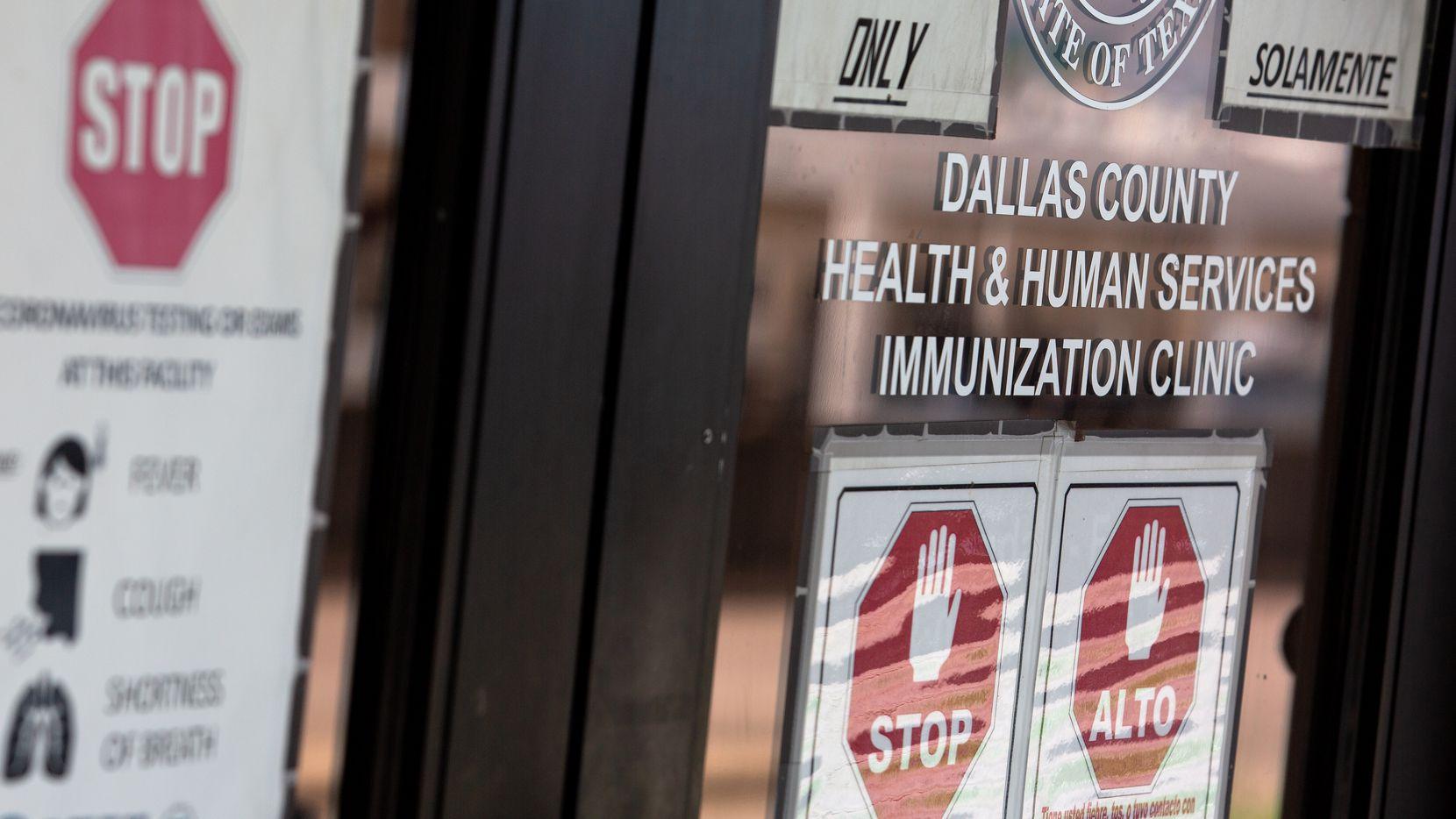 Jefferson-Oak Cliff Branch Immunization Clinic en Dallas, fotografiada el 15 de julio de 2021. Esta y otras clínicas del Departamento de Salud y Servicios Humanos del Condado de Dallas están abiertas de 8 a.m. a 4 p.m. de lunes a viernes para distribuir las vacunas que requieren los estudiantes de kínder a doceavo grado.