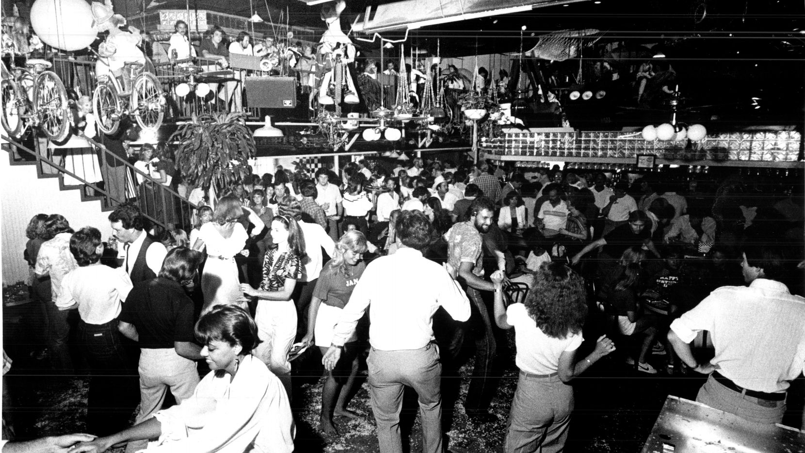 Confetti has it all: drinking, dancing, and lots of socializing. Published on Aug. 1, 1982.