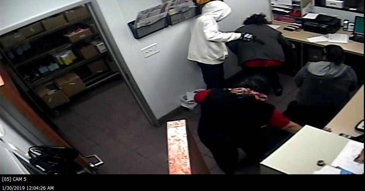 Cámaras de vigilancia capturaron el asalto en un  Wendy's de Terrell