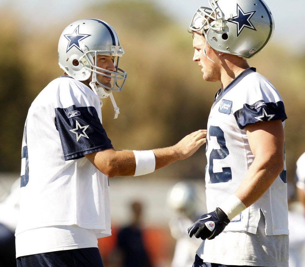 Dallas Cowboys quaterback Tony Romo (9)  talks to tight end Jason Witten (82) during afternoon practice at training camp in Oxnard, California, on August 18, 2010. (Michael Ainsworth/The Dallas Morning News)