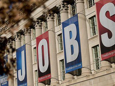 Aumentan los pedidos de desempleo. Se espera un incremento de 2.2 por ciento de desempleo a nivel nacional en los próximos días como consecuencia de las restricciones impuestas por autoridades para contener el coronavirus.
